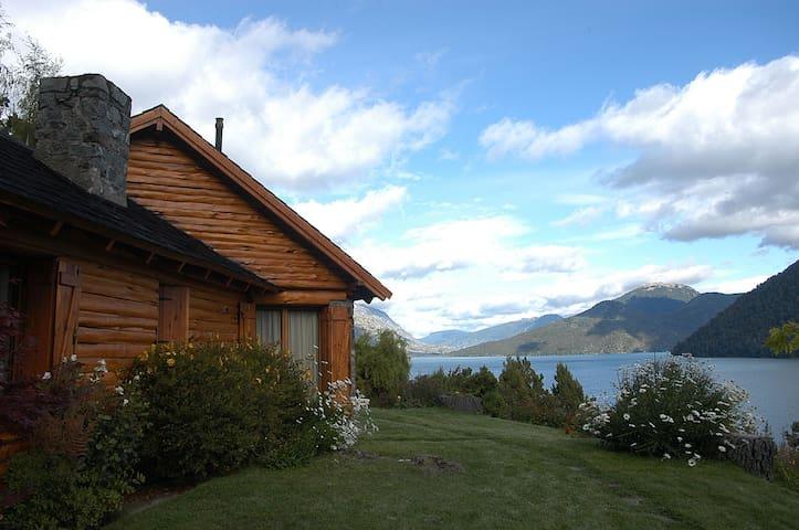 Bariloche- Mascardi Lake - Villa Mascardi - Hus