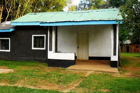 RESORT HOME NEAR KITALE, KENYA - Haus