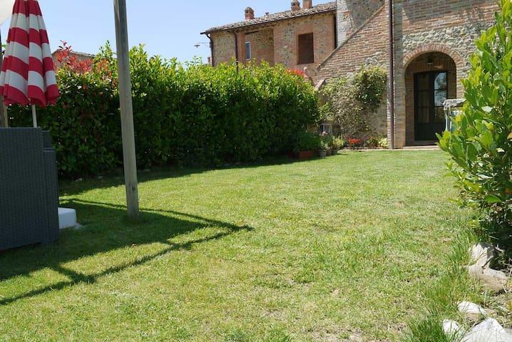 Toscana: casale fra Crete e Chianti - Asciano - Apartamento