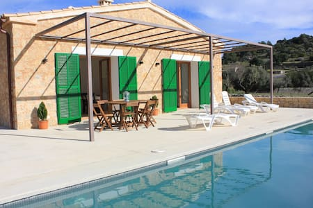"""""""Es Campet"""". Villa with private pool and piano."""