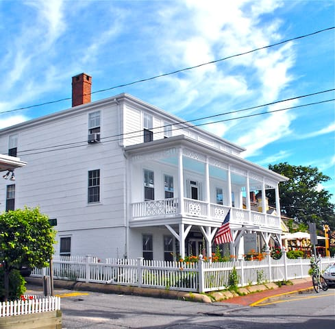 Beautiful, West End, Water Views! - Provincetown - Wohnung