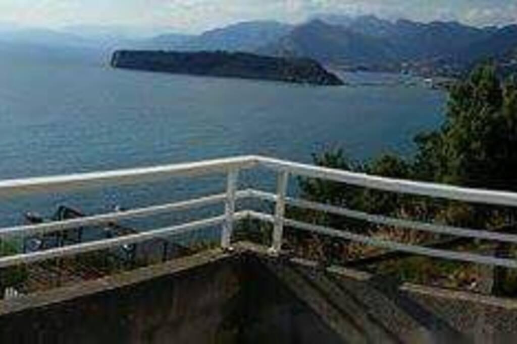 vista isola di Dino dal terrazzo privato