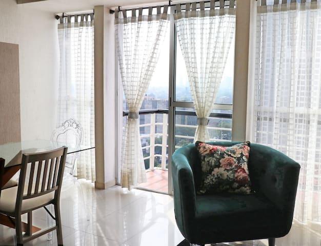 Balcón / Balcony