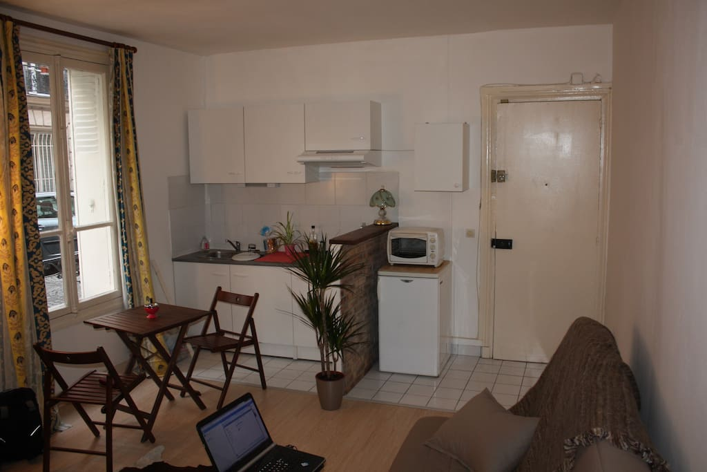 Kitchen with Table for dining