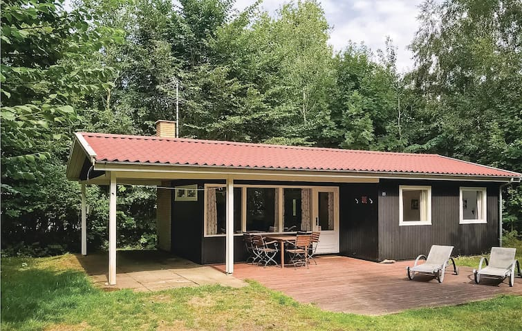 Holiday cottage with 2 bedrooms on 50m² in Aakirkeby