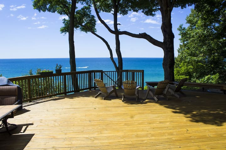 Chuckanut Breeze has private Lake Michigan frontage vacation rental provides a peaceful, wooded setting!