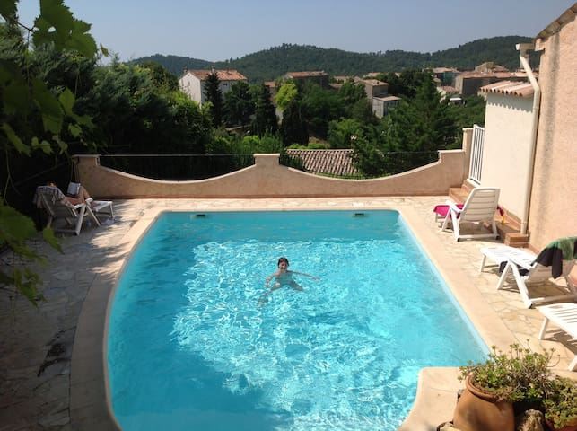 Provence:Flat w. pool & superb view - Claviers - Appartement