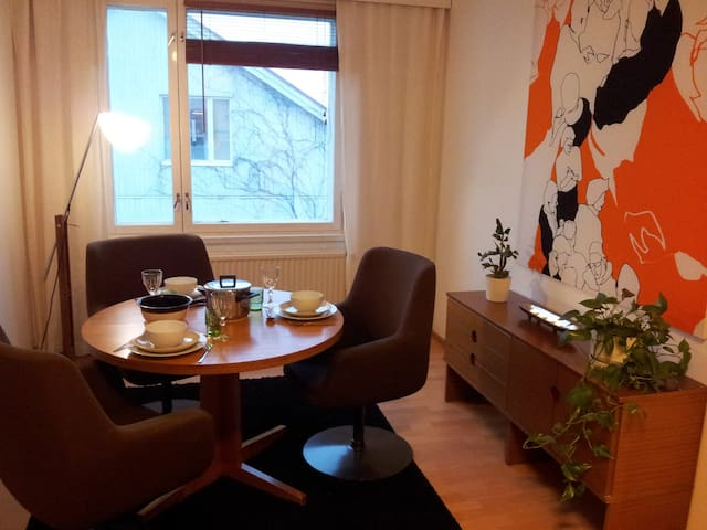 Charming flat in wooden house by the boat harbour - Rauma