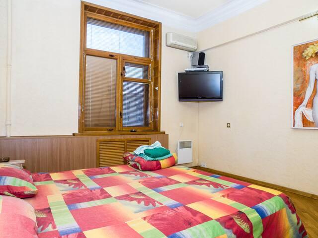 2-bedroom-Сenter,Jacuzzi,fireplace - Kharkiv - Apartamento