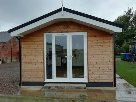 Lodge No. 7 is a self contained luxury cabin