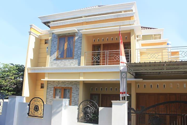 Griya Marin Sembungan - A Homey Place to Stay
