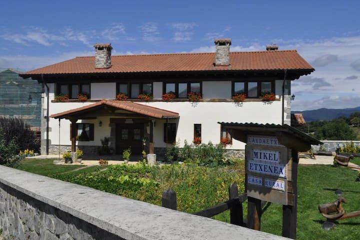 Casa Rural Mikeletxenea