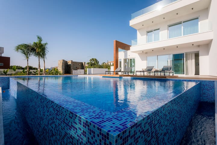 Anemone Seaview Elite Villa | 4 Bedrooms