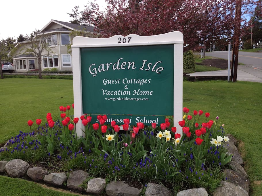 The Entrance Sign to Garden Isle