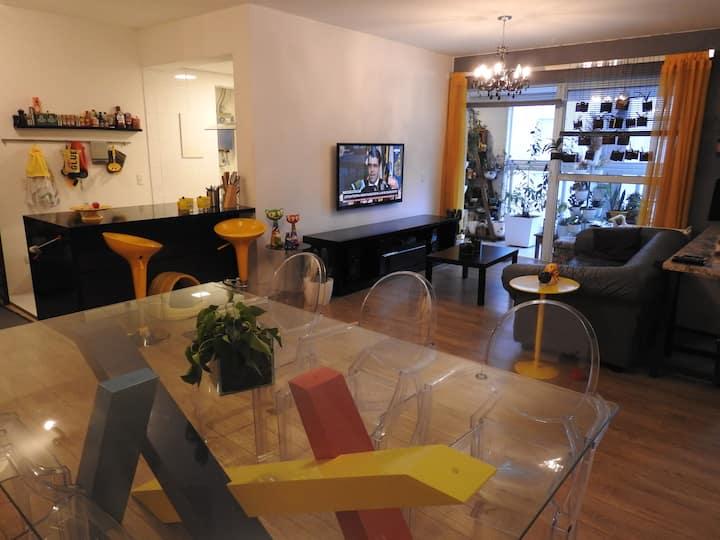 Apartamento central em Condomínio Clube