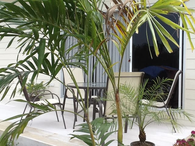 1 Bed  Appartment in Private garden