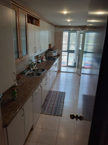 Great room in madrid/Gran habitacion en madrid
