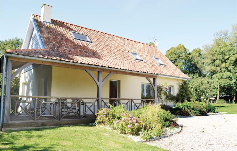 Holiday cottage with 3 bedrooms on 100m² in Maninghem