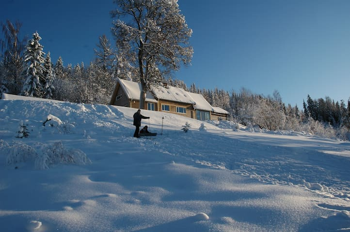 Madstun - Søndre Land - Talo