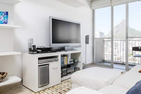 living room with flat screen tv, stereo, blueray, split air-cond., great view