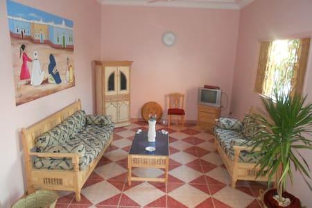 Villa a 1 passo dal Nilo- App. ROSA - Vila