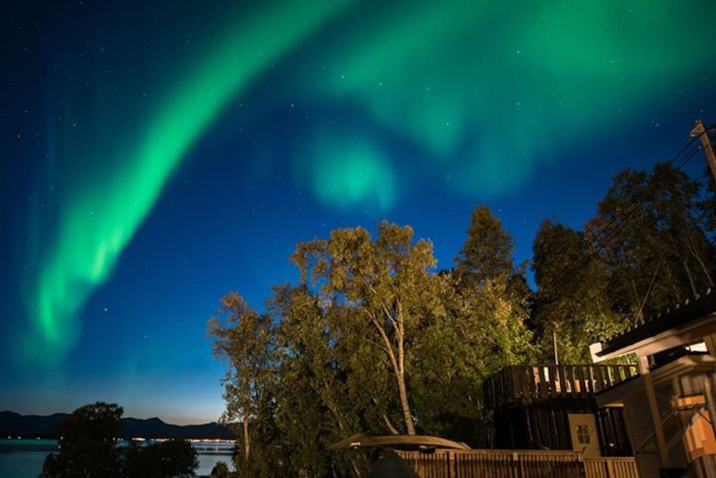 Northern Lights are visible in Northern Norway between beginning of September and end of March, when the sky is clear and there is enough geomagnetic activity. To maximise your chances to see it, we recommend staying at least 5 days and having a car
