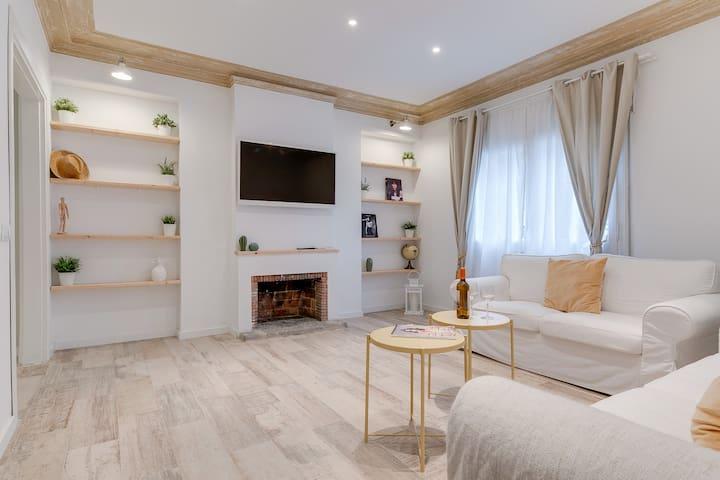 New Apartment Antonio Gaudi A - Eixample