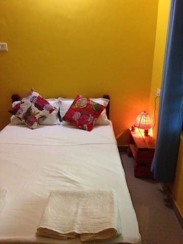 Easy room - Raga Saagaram Rooms - Varkala - Talo