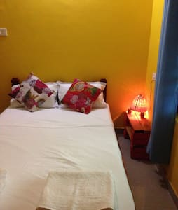 Easy room - Raga Saagaram Rooms - Varkala - Haus