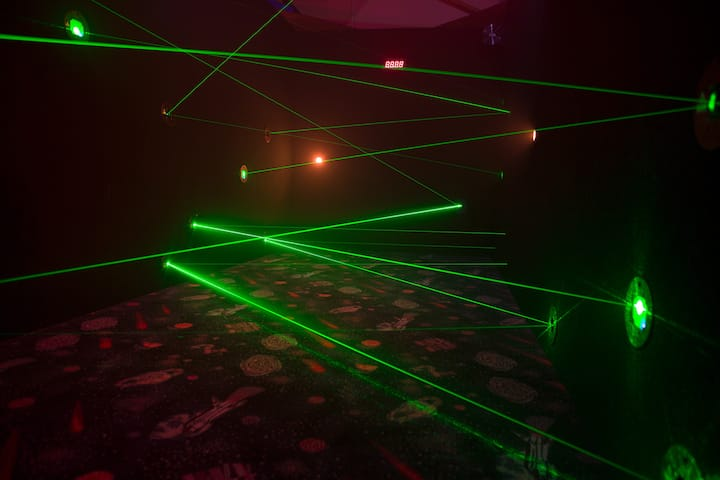 Room #2 Laser Maze 'The Diamond Heist'