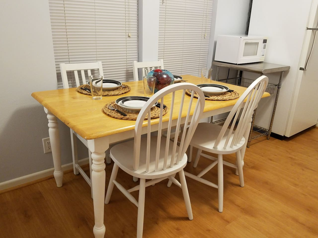 Dining space for four guests