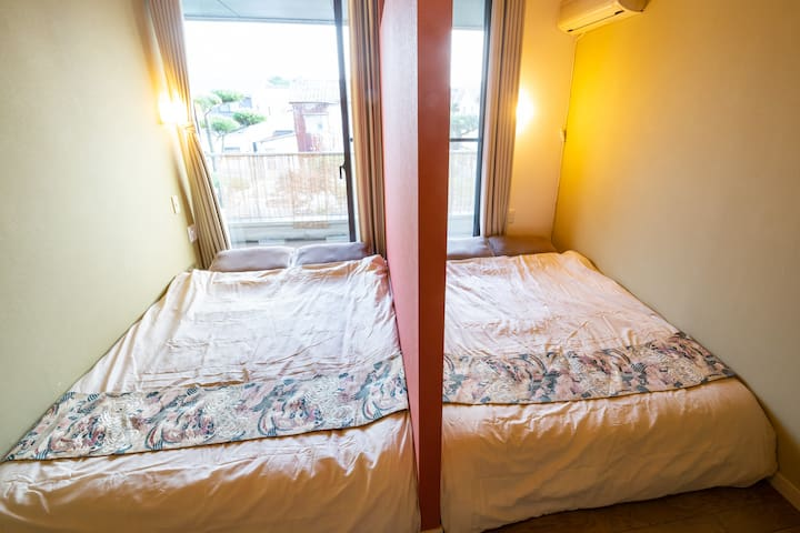B6: 《1~4 guests》PRIVATE ROOM with shared bathroom
