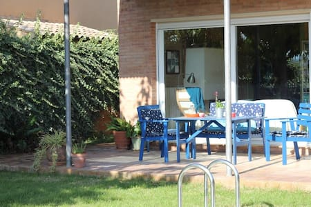 Casa en el Empordà  con piscina - Parlavà