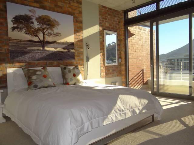 Stylish duplex apartment: Cape Town - Cape Town - Apartemen