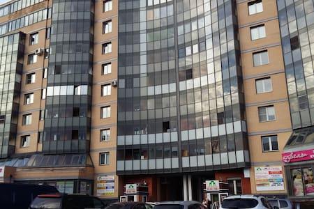 Аренда квартиры посуточно - Gatchina - Wohnung