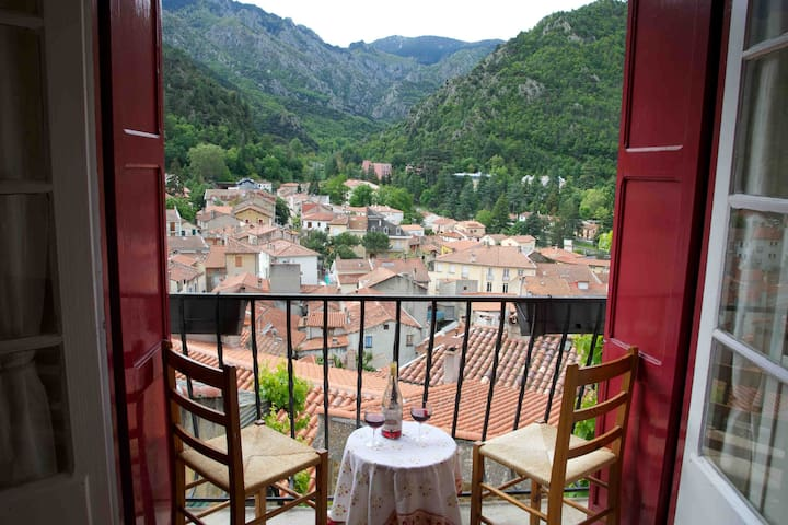 Maison Bellevue, stunning  views, wifi (CURE) - Vernet-les-Bains - House