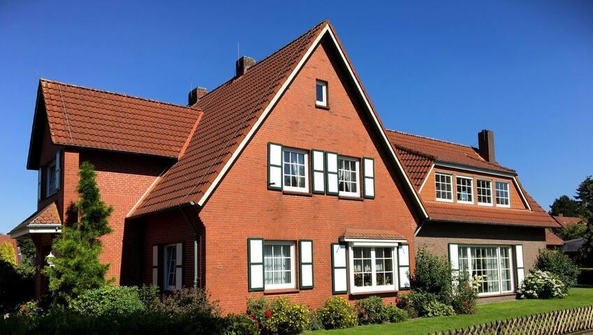 Ruhige Wohnung nahe der Nordsee - Friedeburg - Huoneisto