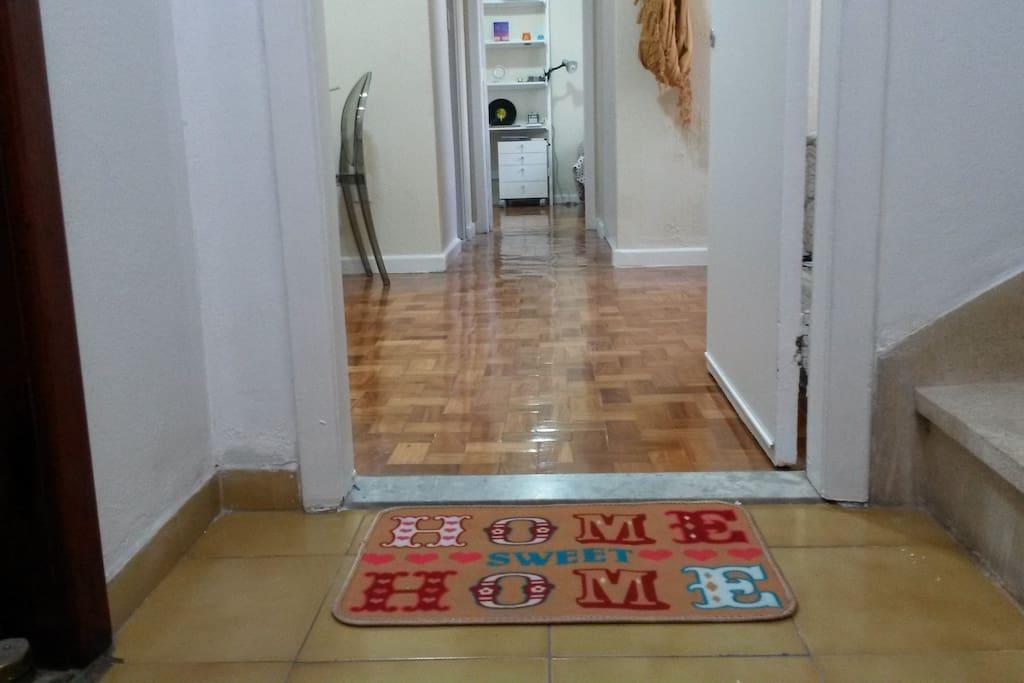 Hall - Front door / Entrada
