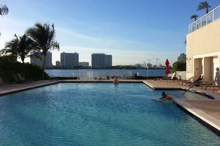 Beautiful1bedroom in Sunny Isles - North Miami beach - Huoneisto
