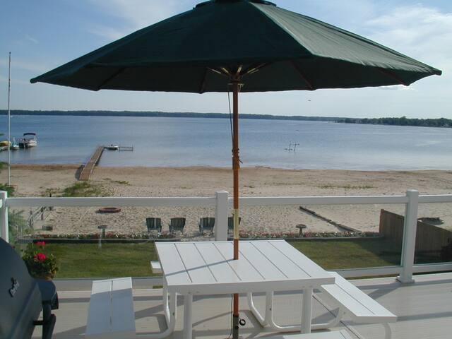 Spectacular 4Season BeachFront Home