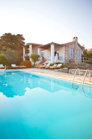 Beautifully designed Villa with stunning sea views