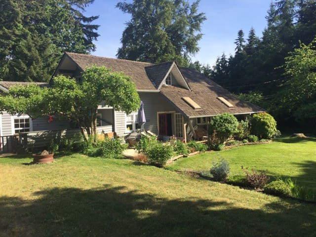 Ennerdale Farmhouse - Chemainus - House