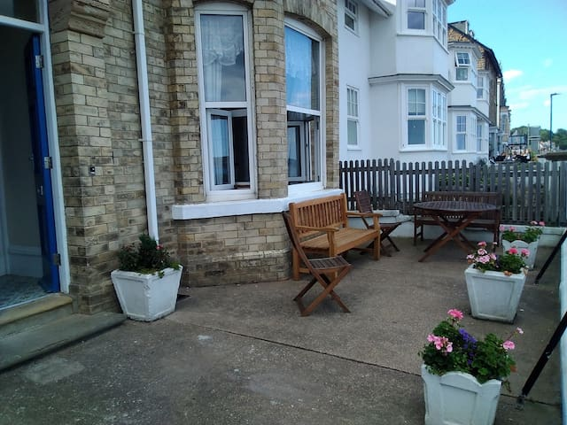 Filey seafront holiday flat with 1 bedroom