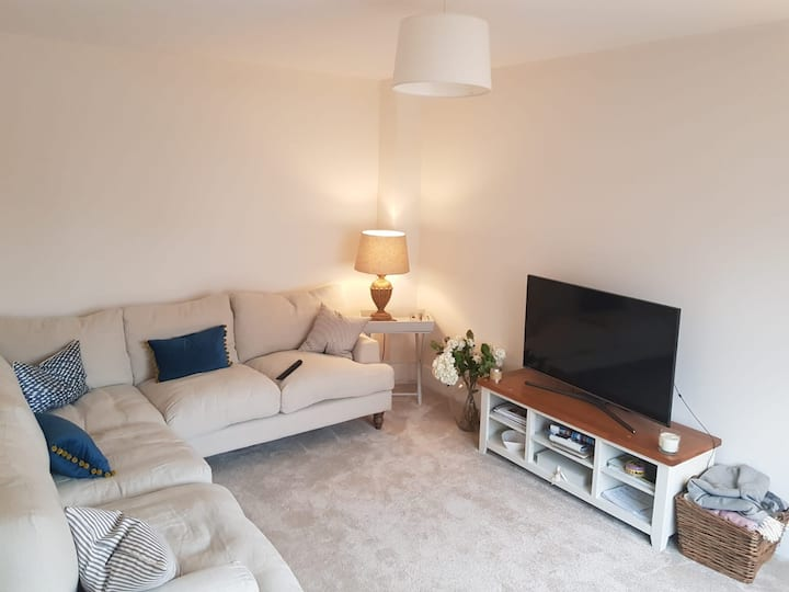 Modern family house 10 mins from Central Bristol