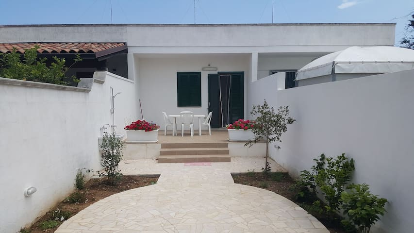 Idyllically situated near Torre dell'Orso - Malama 18