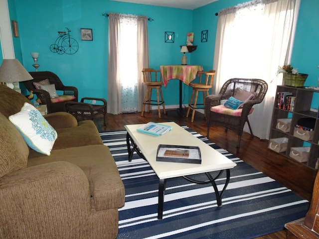 Cozy, Comfortable, 2 Bdrm Home Fully Furnished