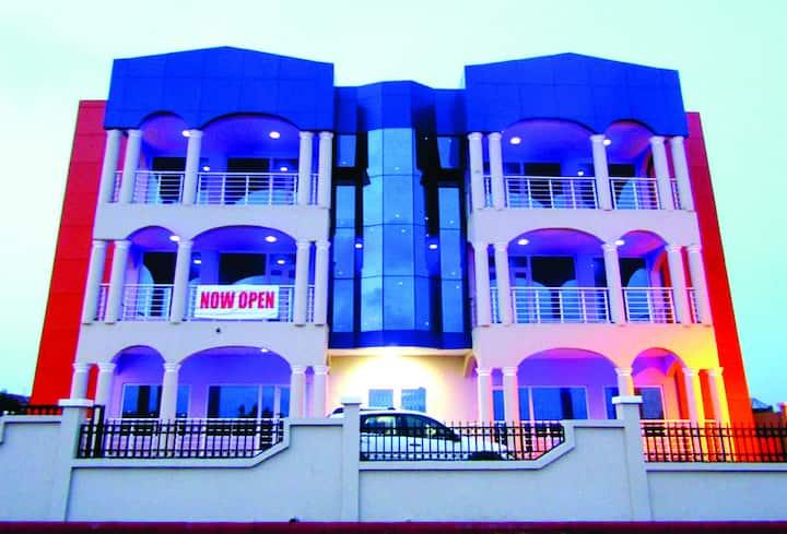 Hôtel Du Goût (202- Free WiFi), Tema-Accra, Ghana