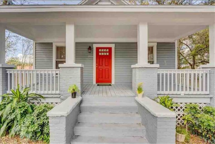 The Red Door Bungalow in the Heart of Tampa!