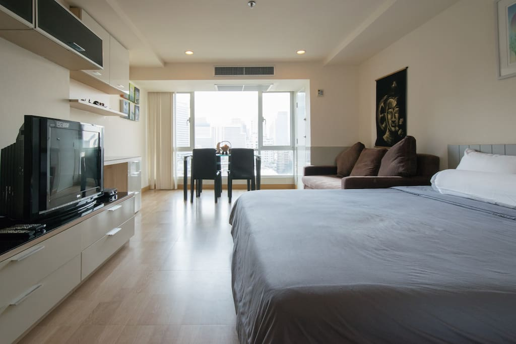Spacious condo at Nana bangkok