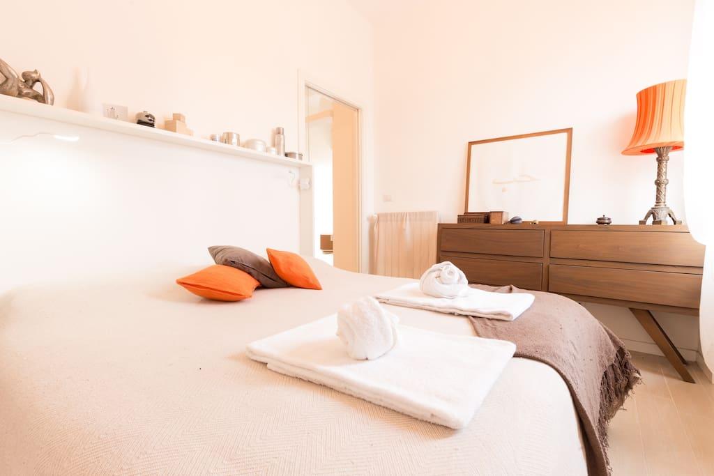 Elegant and comfortable bedroom